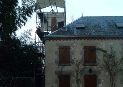 Tour échafaudage autour souche de cheminée Fresselines